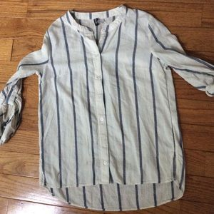 H&M Divided Button Down